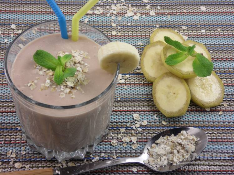Творожно-кефирный напиток с бананами