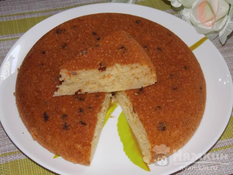 Кекс на молоке с морковью и изюмом в мультиварке