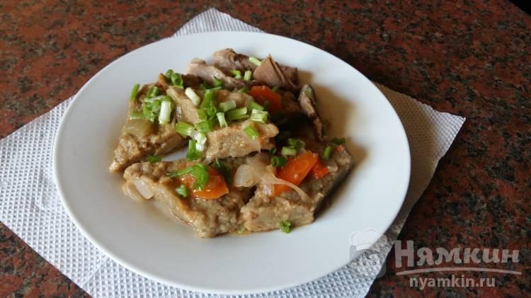 Ромбики из куриной печени с овощами