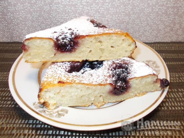 Пирог на простокваше с вареньем