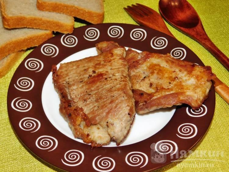 Свиные отбивные маринованные в соевом соусе