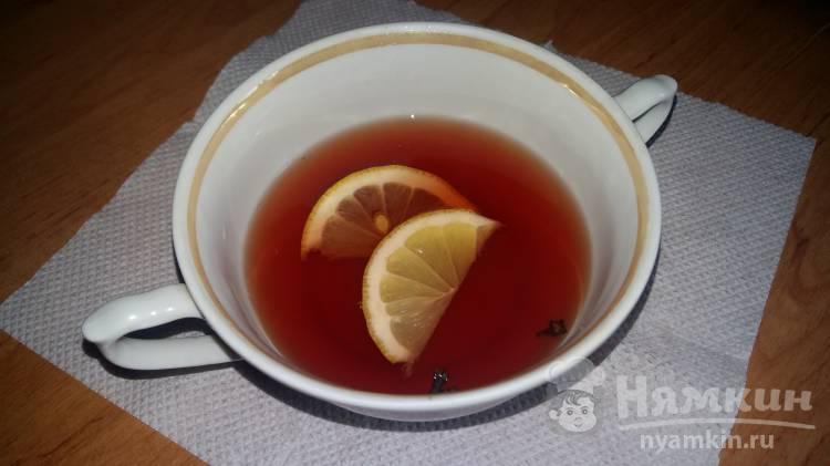 Черный чай с вином и гвоздикой