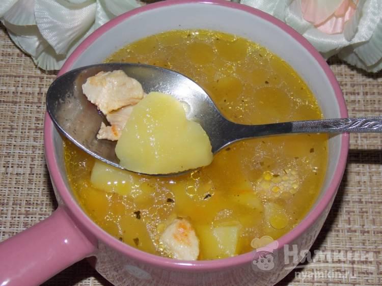 Суп из картофеля с куриным филе и овощами в мультиварке