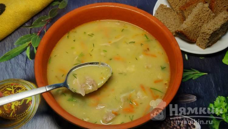 Гороховый суп-пюре на курином бульоне