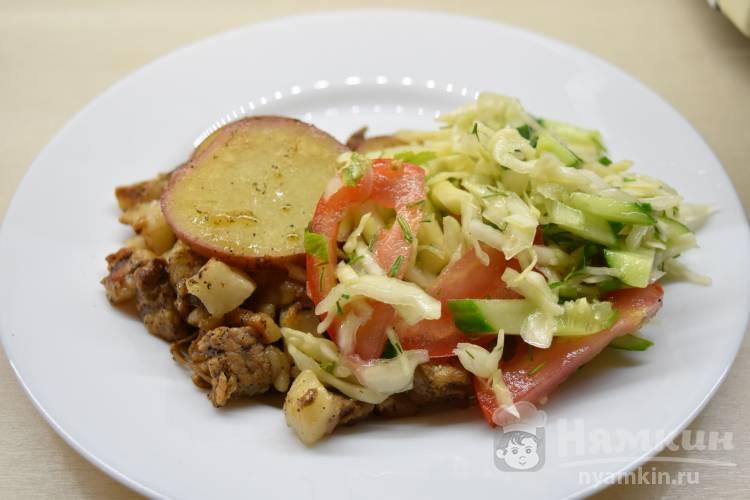 Картофельные слайсы со свининой в мультиварке