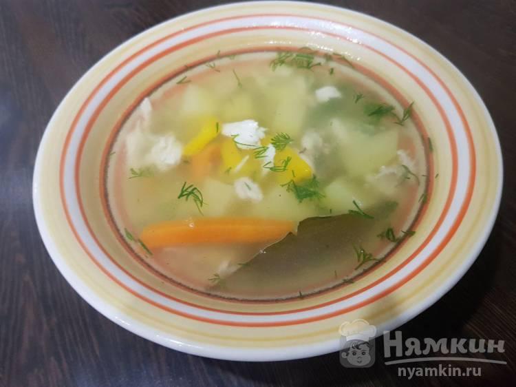 Легкий куриный суп с вермишелью