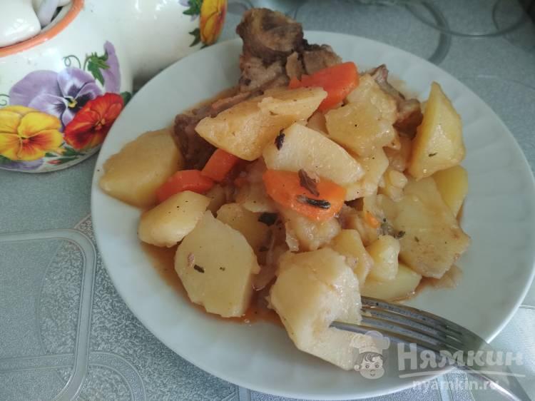 Свиные косточки с картошкой