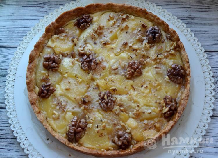 Открытый пирог с грушами и грецкими орехами