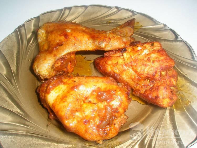 Курица с луком в маринаде с паприкой