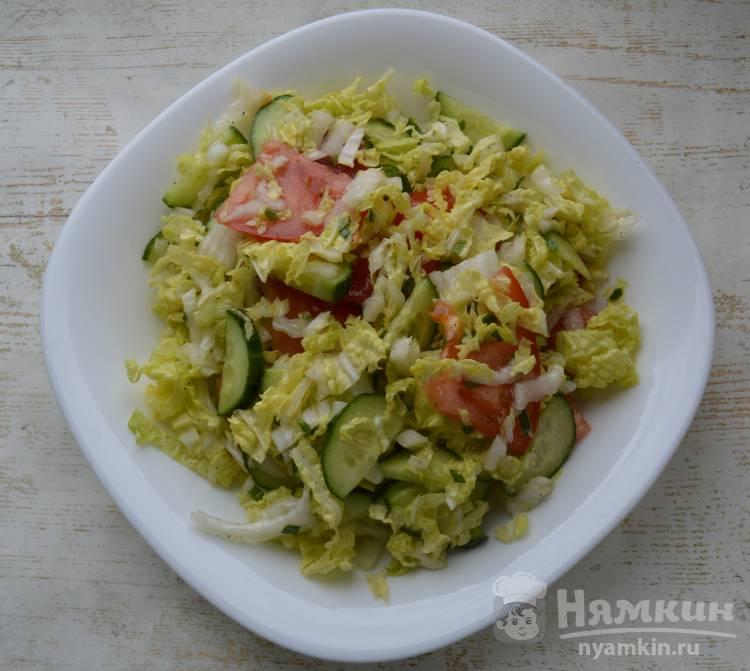 Салат с пекинской капустой помидорами и огурцами