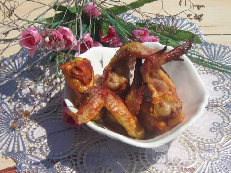 Куриные крылья запеченные в духовке с куркумой и мускатным орехом