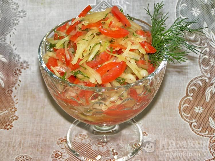 Салат из капусты, помидоров и болгарского перца