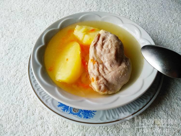 Легкий суп с манной крупой на курином бульоне
