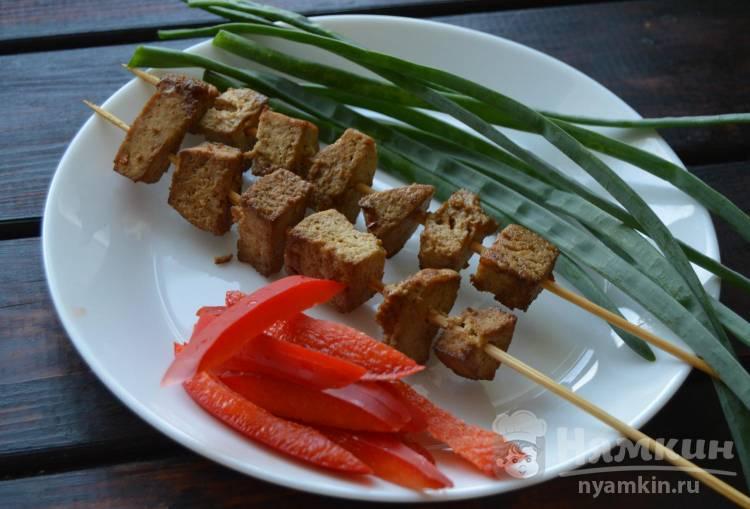 Запеченный тофу с мускатным орехом и медом