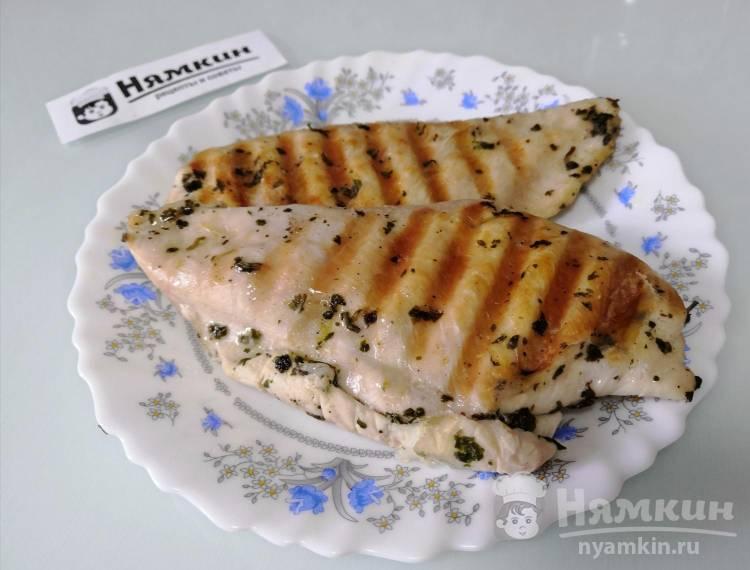 Куриное филе на гриле со специями на легкий ужин