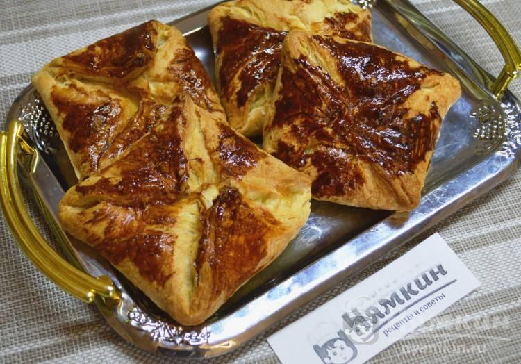 Хачапури из готового слоеного дрожжевого теста с сыром