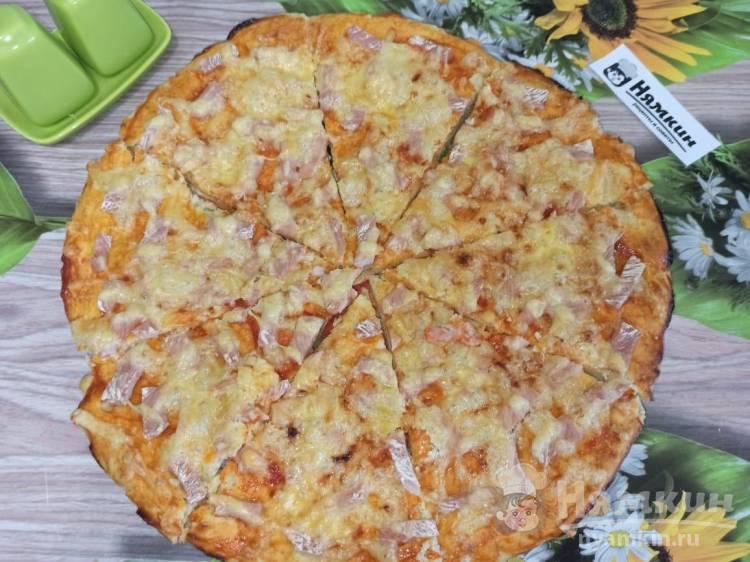 Пицца на майонезе с сыром и свиным карбонатом в духовке