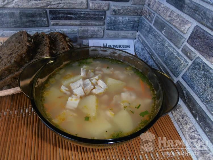 Куриный суп с картошкой, морковью и манной крупой