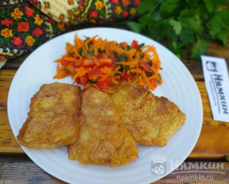 Куриные отбивные в яично-майонезном кляре с чесноком на сковороде
