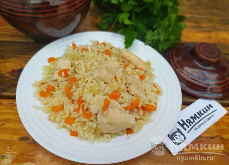 Рис с курицей в горшочках в духовке