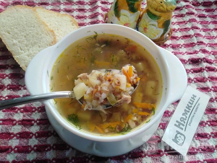 Куриный суп с овощами и жареной гречкой