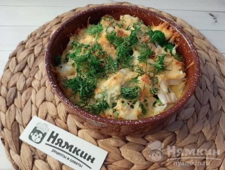 Яичная запеканка с брокколи, куриной грудкой и сыром в духовке