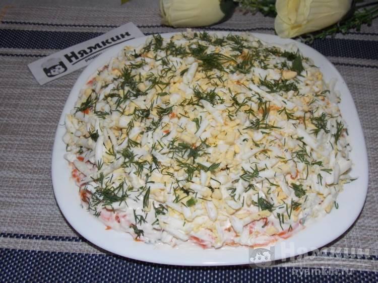 Слоеный салат с консервированной горбушей, картофелем и вареными яйцами