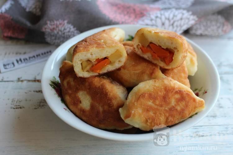 Пирожки с тыквой и картофелем на сковороде