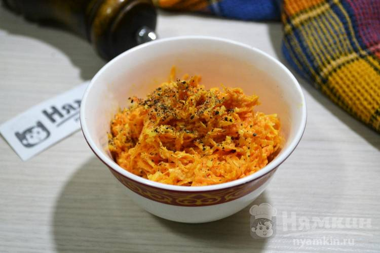 Салат из моркови и сыра с чесноком и майонезом