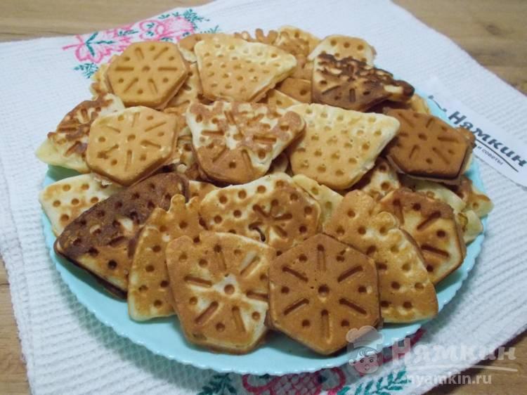 Вафли в вафельнице на газовой плите: хрустящие и сладкие