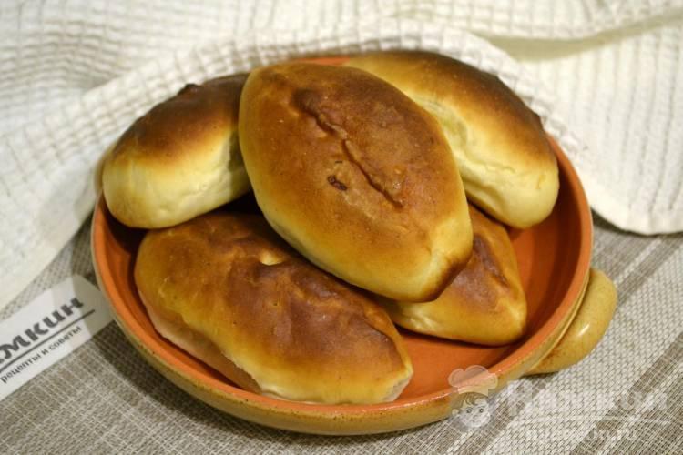 Пирожки с капустой из готового дрожжевого теста в духовке