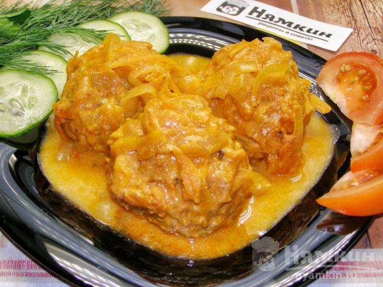 Мясные ёжики в кефирно-томатном соусе в духовке