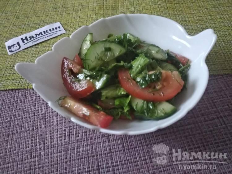 Овощной салат с помидорами, огурцами и разной зеленью: вкусный и полезный