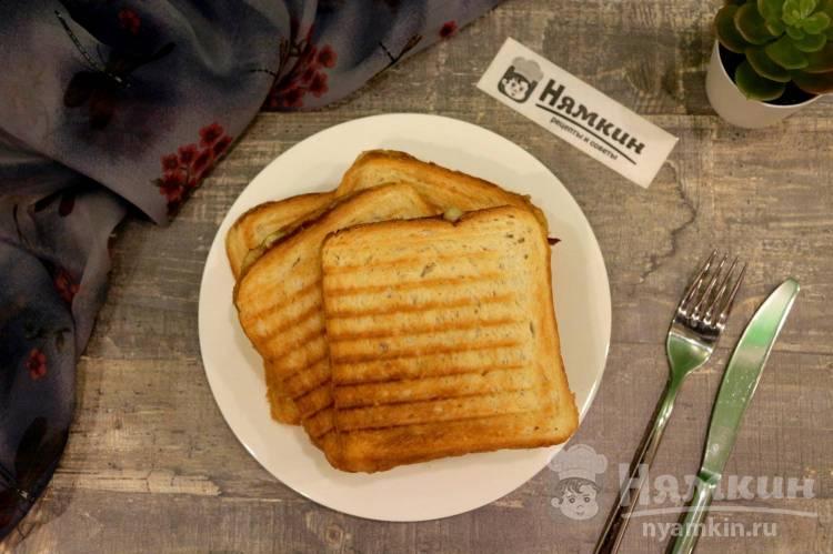 Сэндвичи с сыром и намазкой из тунца в мультипекаре
