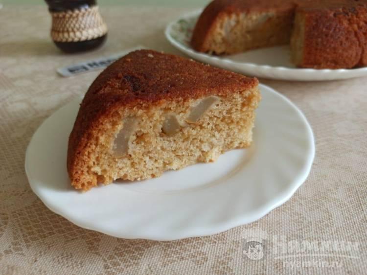 Пышный пирог с грушами на маргарине в мультиварке