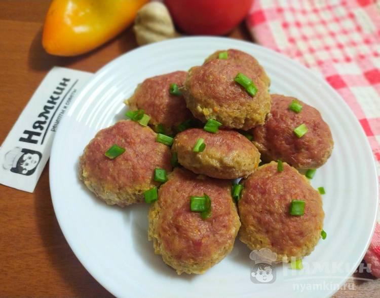 Мясные шарики из фарша и овощей в духовке