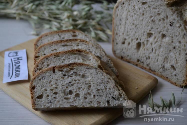 Хлеб на ржаной закваске с овсяными хлопьями и семенами льна в хлебопечке