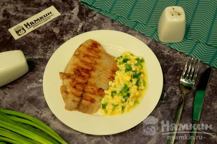 Рыба на электрогриле со сливочно-яичным соусом