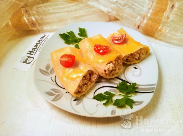Каннеллони с фаршем и сыром на сковороде по-итальянски