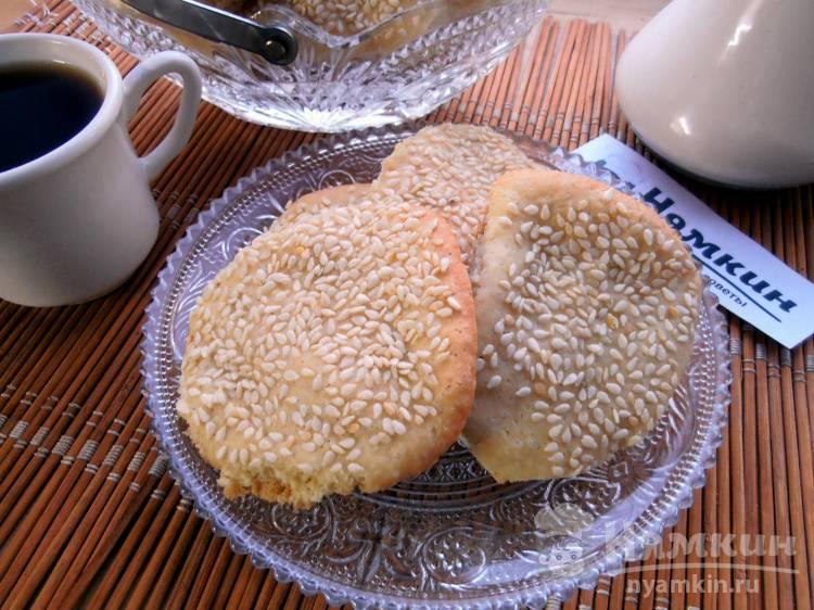 Песочное печенье с кунжутом — быстрая и бюджетная выпечка