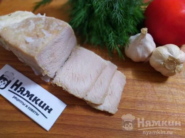 Свинина с чесноком в фольге в духовке к праздничному столу
