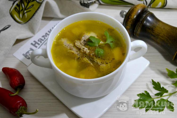 Куриный суп с булгуром, тыквой и луком-пореем