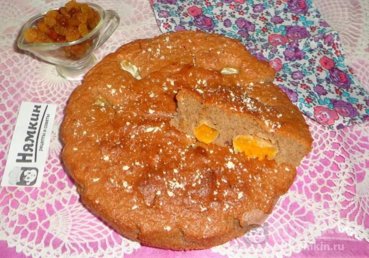 Шоколадный пирог с мандаринами и изюмом в духовке