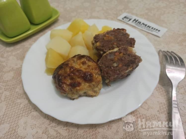 Котлеты из мясного фарша с луком и морковью под сырной шапкой в духовке