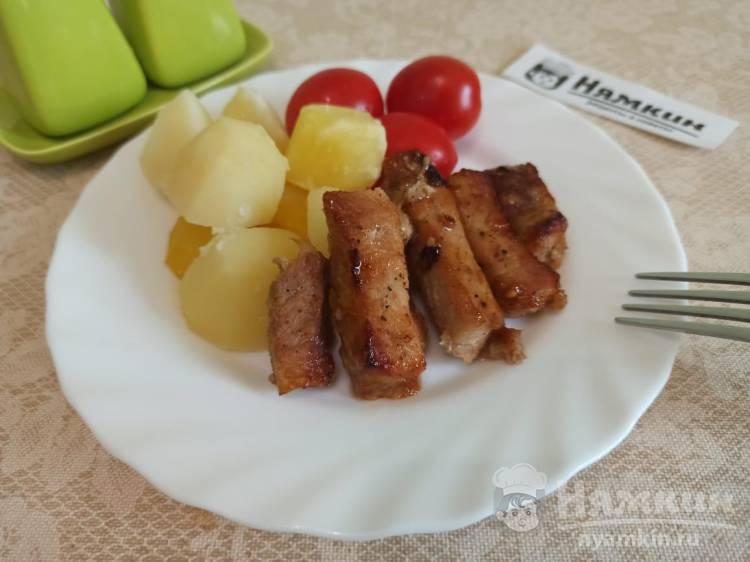 Свинина кусочками в медово-соевом маринаде в духовке