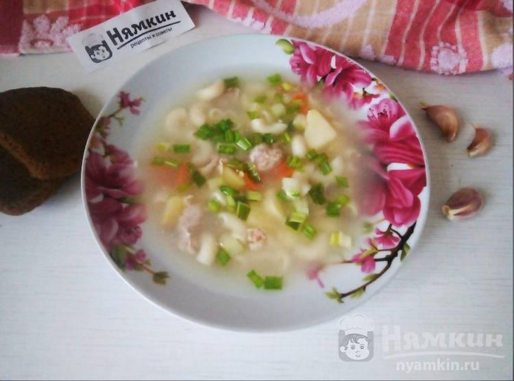 Суп со свининой, овощами и макаронами на сытный обед