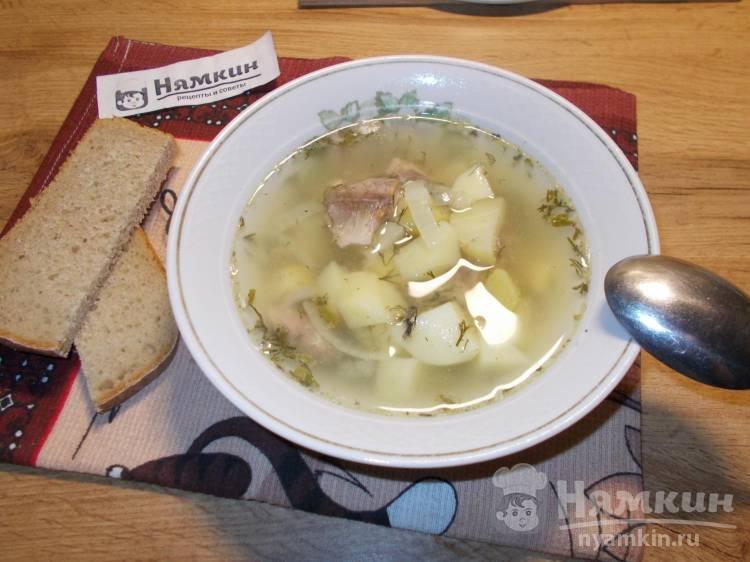 Легкий суп с картофелем и рыбными консервами
