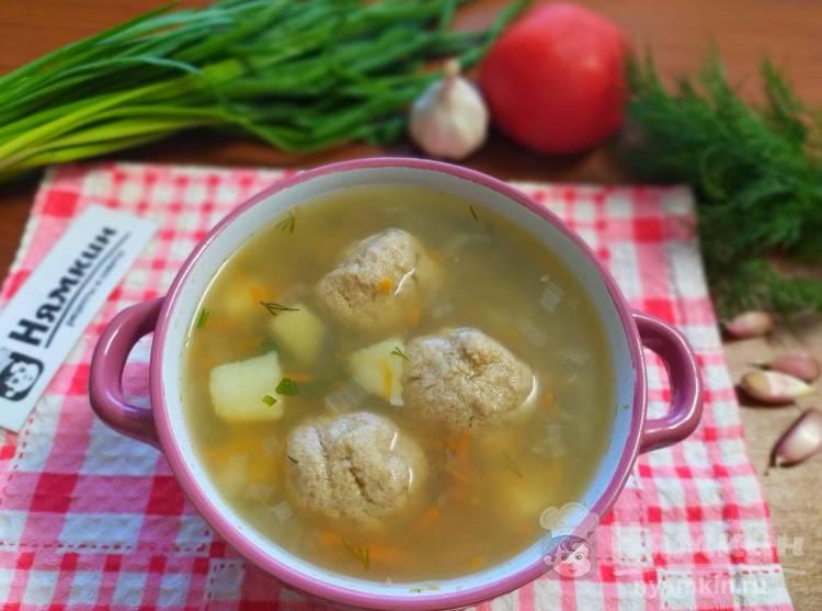 Суп с гречкой и мясными фрикадельками: легкий и вкусный