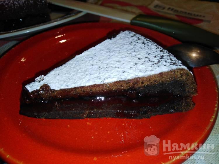 Бисквитный шоколадно-маковый торт с джемом в мультиварке