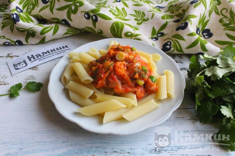 Овощная подлива к макаронам со сливками и зеленью